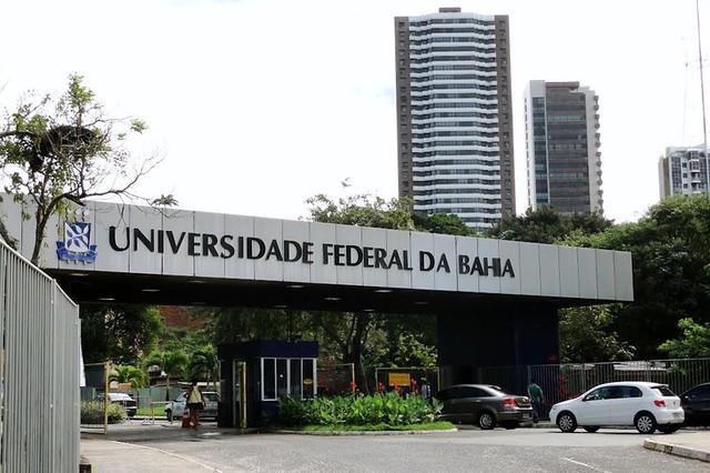 Dwek mostra que ao investir apenas 21% do orçamento da Educação em universidades, o Brasil ocupa a 58ª posição entre 128 países - Créditos: Foto: UFBA