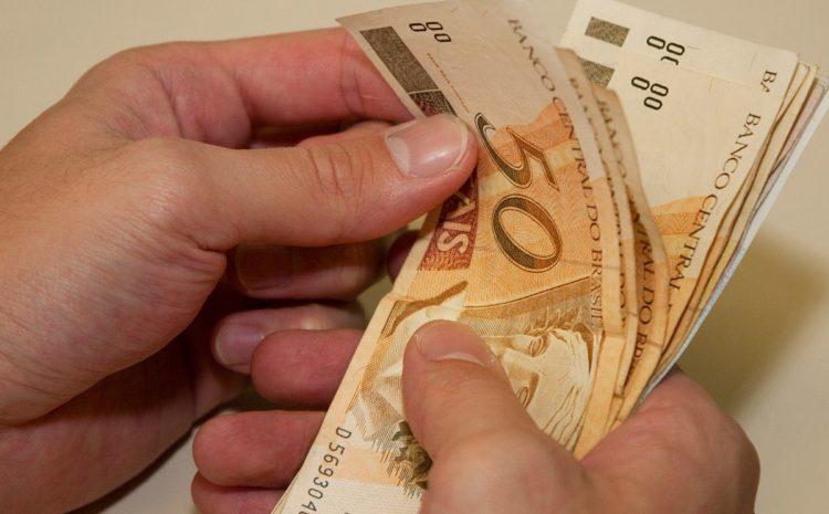 Salário mínimo será de 1039 reais em 2020